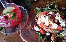 Bruschetta and fruit tea